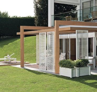 Pergole in legno: tante soluzioni per crearsi la propria oasi di relax