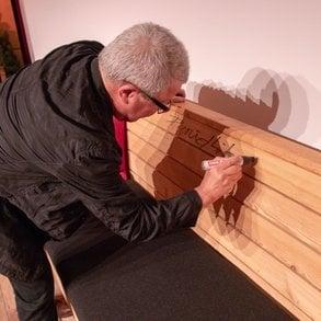 Pircher-Möbel für den guten Zweck übergeben