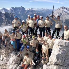 Pircher schickt seine Manager auf den Gipfel der Drei Zinnen