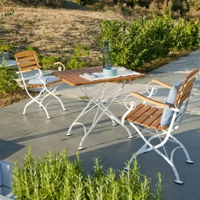 Garden and terraces: creative ideas for furniture and accessories
