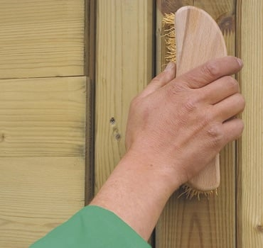 Holz ist lebendig – Richtige Pflege